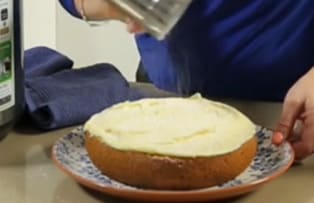 Baking cake on the Philips all-in-one slow cooker - Video