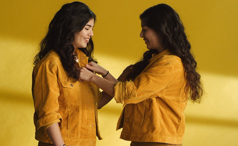 Women in yellow clothes
