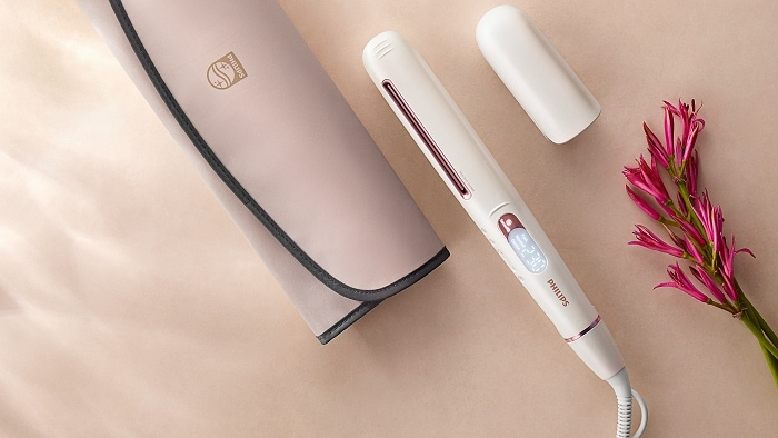 The intelligent microprocessor in the Hair Dryer Prestige scans hair and adjust the temperature to prevent overheating and preserves 90% of hair's natural moisture.